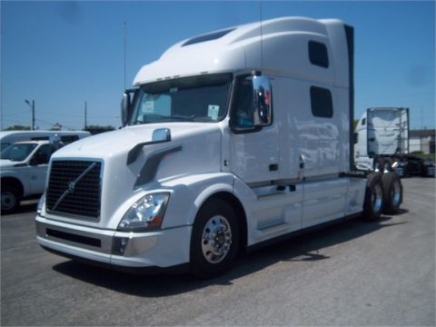 New 2017 VOLVO VNL64T780