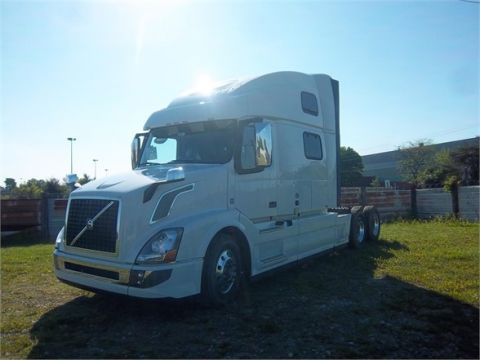 New 2016 VOLVO VNL64T780