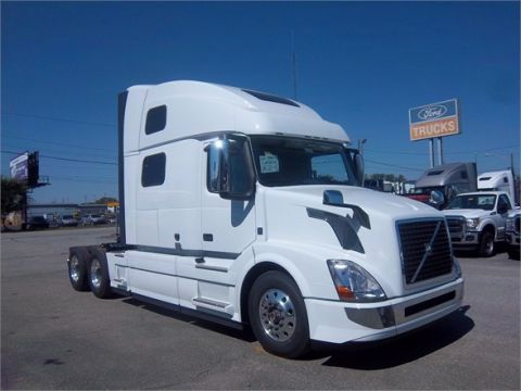 New 2016 VOLVO VNL64T780  6x4